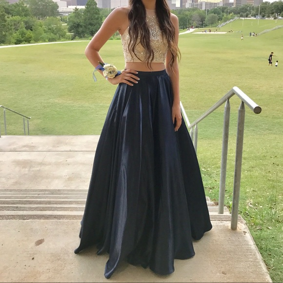 PromGirl Dresses & Skirts - Two piece prom dress!!